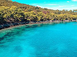 Wunderschöne Bucht zum Ankern gesucht? l sailwithus
