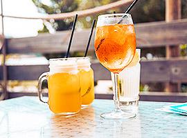 Cheers! Den abendlichen Drink habt ihr euch verdient l sailwithus
