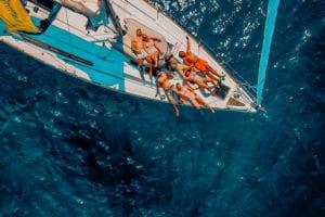 An Deck relaxen und Sonne tanken | sailwithus
