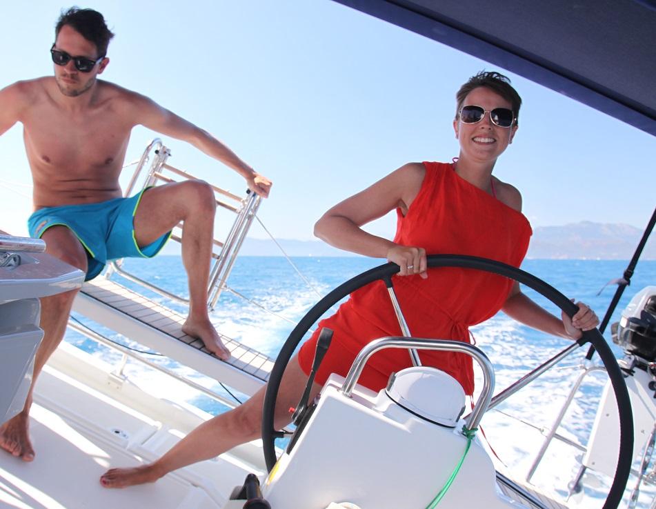 Kleine Crews auf den Ausbildungstörns von sailwithus garanieren Training für jeden