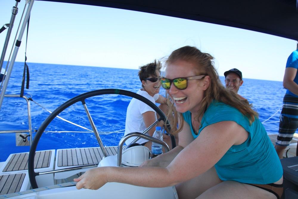 Gute Laune an Bord ist auf der Segelreise entscheidend