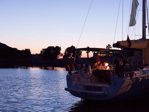 Den perfekten Sonnenuntergang an Bord der Segelyacht bestaunen | sailwithus