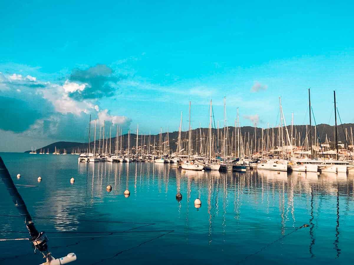 Ankunftshafen Martinique mit vielen Segelyachten