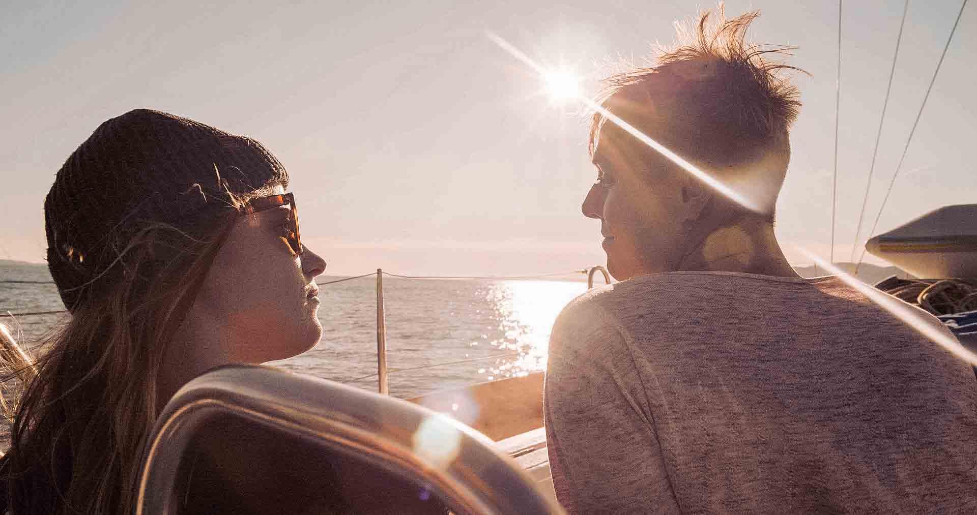 Mit jungen Mitseglern die Sonne des Mittelmeers genießen