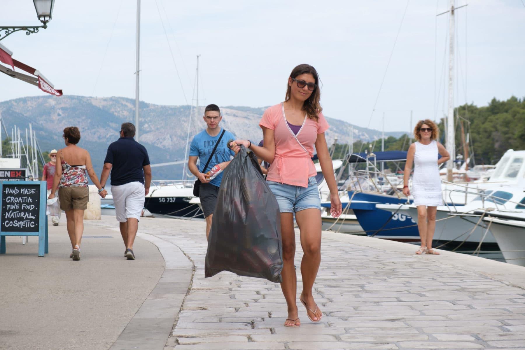 Am Hafen in Kroatien l Sailwithus