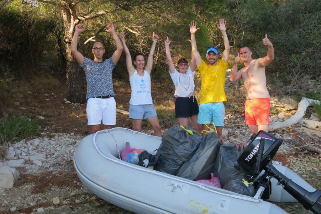 Plastik sammeln im Urlaub und etwas gutes der Umwelt tun mit sailwithus