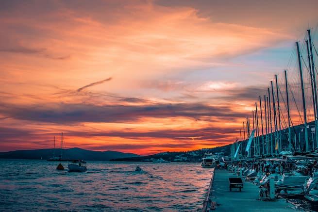 Sonnenuntergang von der Segelyacht anschauen l sailwithus