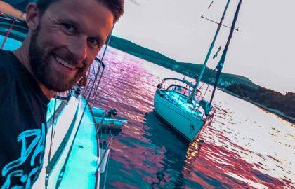 Sonnenuntegänge an Bord der modernen sailwithus Yacht sind einfach unglaublich schön