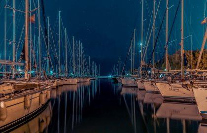 Alimos Kalamaki Marina Yachthafen in Griechenland unter Sternenhimmel, Segeltörn Ausgangspunkt