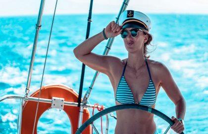 Kapitänin am skippern in Griechenland