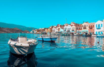 Kleiner Yachthafen in traumhafter Bucht Türkei