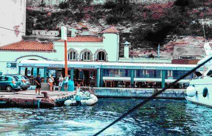Die französische Küche ist ein Highlight der Segeltörns an der Côte d'Azur