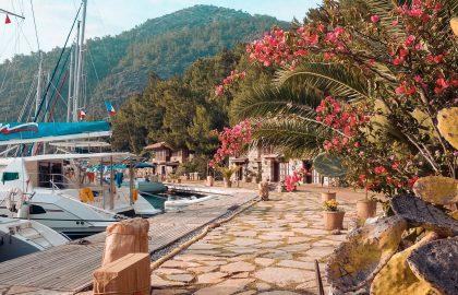 Hafenliegeplatz in Türkei im Mittelmeer