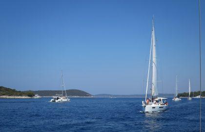 Moderne Segelyachten und erfahrener Skipper l sailwithus